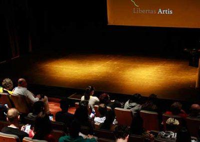 Público y escenario