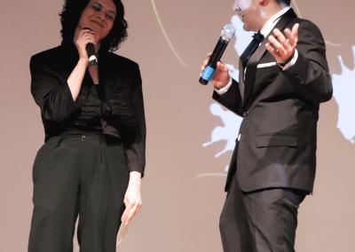 Roberto y Ana los presentadores